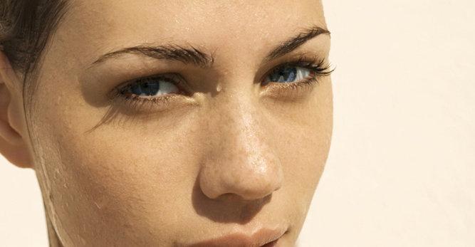 Strengthen sensitive skin with Vichy pH balancing water